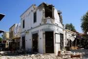 Жертвами землетрясения в Греции стали два человека, более ста постарадали