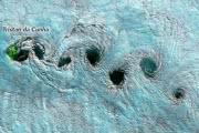 Вихревые дорожки фон Кармана: фото из космоса