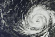 Ураган «Офелия» отменил занятия в школах Ирландии и закрыл посольство